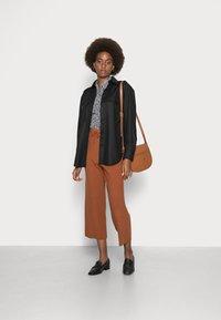 TOM TAILOR DENIM - COZY CULOTTE - Trousers - amber brown - 1