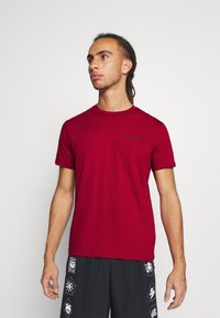 Champion - LEGACY CREWNECK - Jednoduché triko - dark red - 0