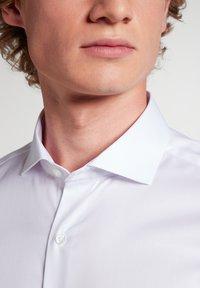Eterna - SLIM  FIT COVER SHIRT BLICKDICHT - Formal shirt - weiß - 2