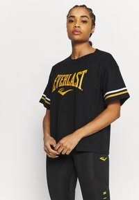 Everlast - T-shirt con stampa - black/nuggets/white - 0