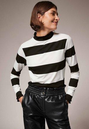 LANGARMSHIRT MIT LAYER-KRAGEN - Long sleeved top - knit structure str