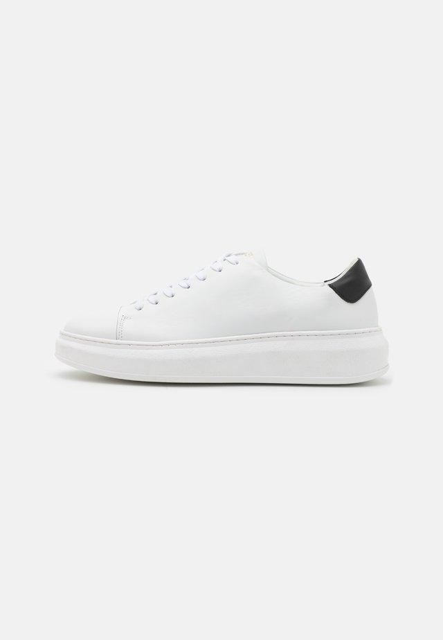 AYANO - Sneakers - white/black