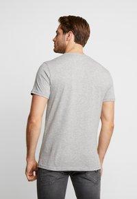 Pier One - T-shirt med print - mottled grey - 2