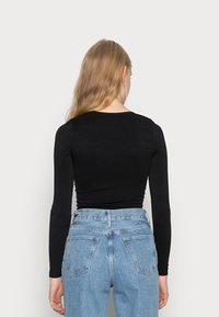 BDG Urban Outfitters - LONG SLEEVE V NECK - Long sleeved top - black - 2