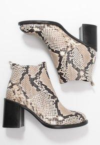 Alberto Zago - Ankle boots - roccia - 3
