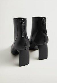 Mango - SAS - Classic ankle boots - zwart - 2