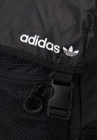 adidas Originals - TOPLOADER UNISEX - Rucksack - black/white - 5