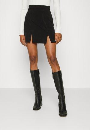 DOUBLE SLIT MINI SKIRT - Mini skirt - black