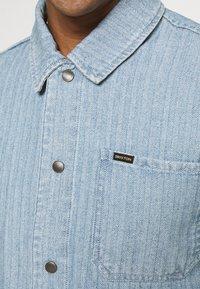 Brixton - SURVEY RESERVE CHORECOAT - Summer jacket - worn indigo - 6