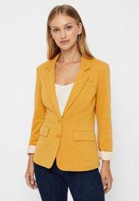 Vero Moda - Blazer - amber gold - 0