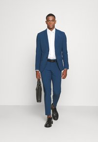 Isaac Dewhirst - THE FASHION SUIT NOTCH - Kostym - blue - 1