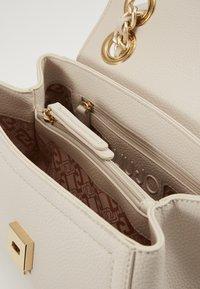 LIU JO - CROSSBODY  - Handbag - true champagne - 4