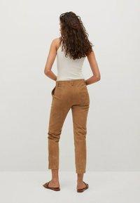 Mango - Leather trousers - mittelbraun - 2