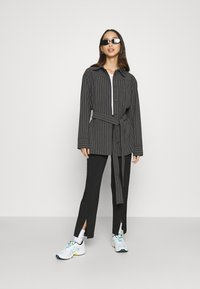 Weekday - BEATRIX JACKET - Short coat - antracit - 1