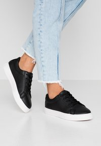 Rubi Shoes by Cotton On - LIANA RISE  - Sneakersy niskie - black - 0