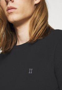 Les Deux - Basic T-shirt - black/white - 5