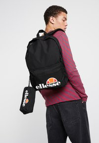 Ellesse - ROLBY PENCIL CASE - Rucksack - black - 1