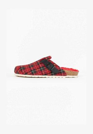 MOKE - Slippers - red
