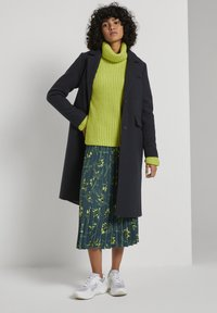mine to five TOM TAILOR - Pleated skirt - deep green leaves design - 1