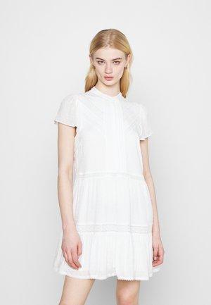 LACE SMOCK DRESS - Sukienka letnia - porcelain