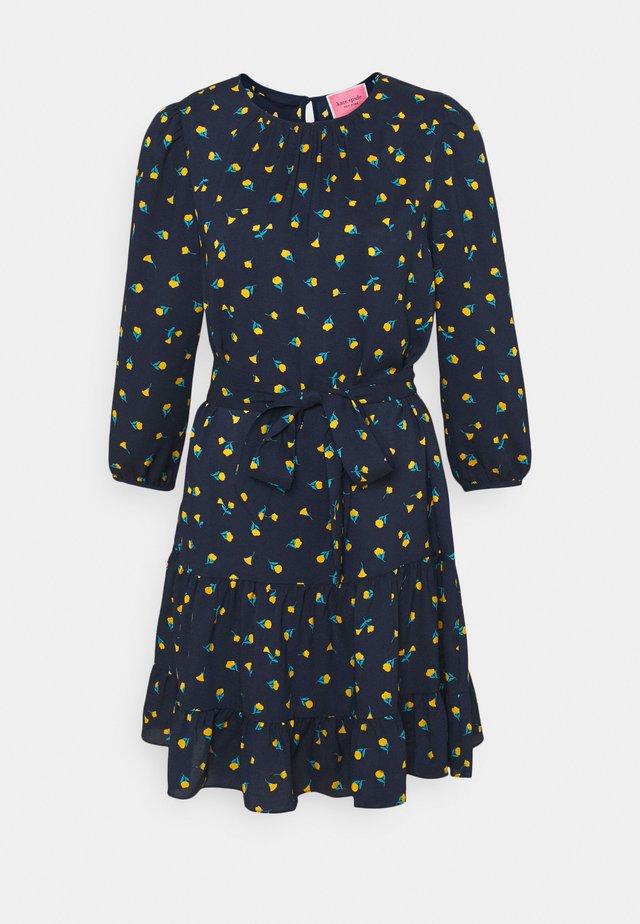 GARDEN DITSY SHIFT DRESS - Day dress - squid