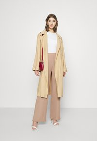 Nly by Nelly - WIDE POCKET PANTS - Bukse - beige - 6