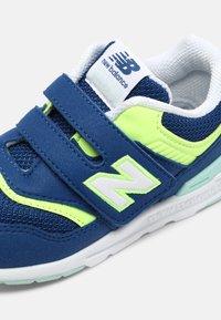 New Balance - IZ997HSY - Sneakers laag - blue - 4