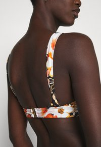 Seafolly - BORA BORA FLORA V NECK CROP - Bikini top - black - 3