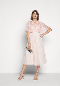 Needle & Thread - PATCHWORK BODICE BALLERINA DRESS - Koktejlové šaty/ šaty na párty - ballet slipper/pink - 1