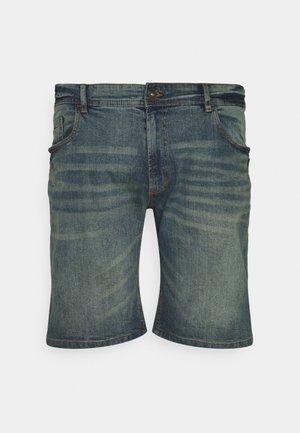 CHESTER - Denim shorts - egyptian blue