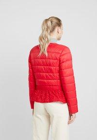 Cream - ADELLA QUILTED JACKET - Lehká bunda - red velvet - 2