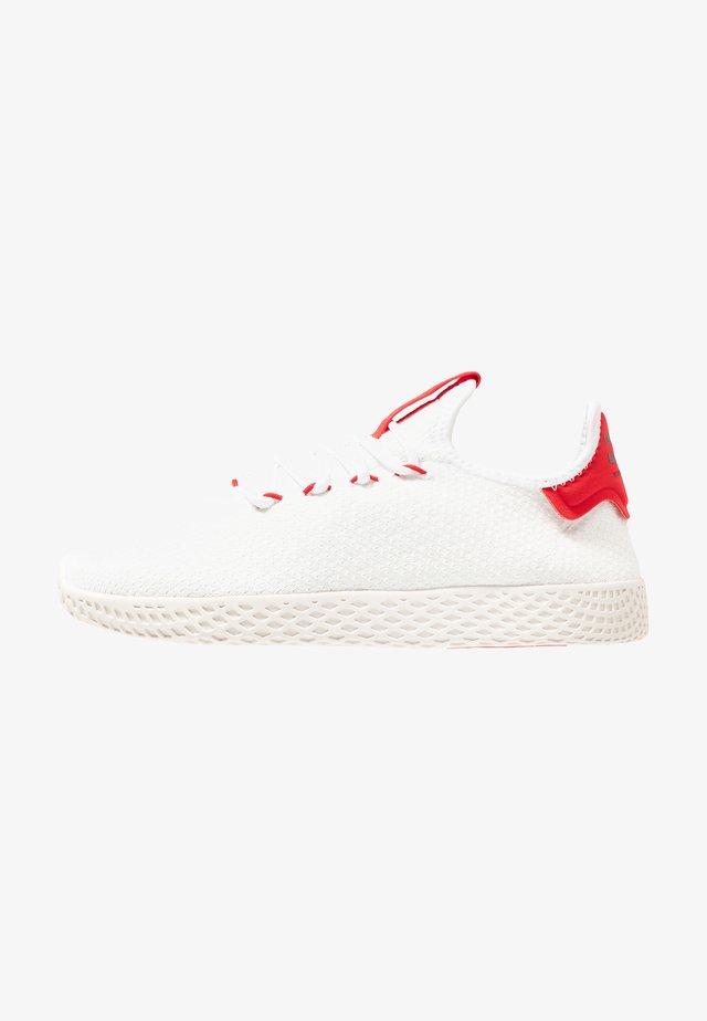 PW TENNIS HU - Matalavartiset tennarit - footwear white/scarlet/calk white