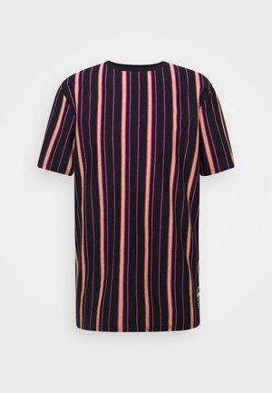 TEE - Print T-shirt - purple orchid