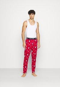 Jack & Jones - JACX MAX LOUNGE PANT - Pyjama bottoms - chili pepper - 1