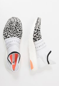 adidas by Stella McCartney - ULTRABOOST X 3.D.  - Neutrální běžecké boty - core black/footwear white/solar orange - 1
