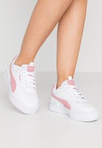 Puma - CALI SPORT SD - Trainers - white/foxglove - 0