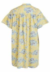 Vila - OVERSIZE - Skjortklänning - pineapple slice - 6