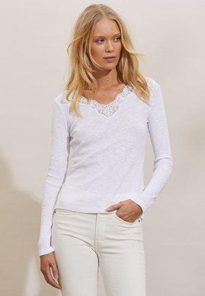 NINA - Long sleeved top - light chalk