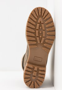 Pier One - Šněrovací kotníkové boty - khaki - 6