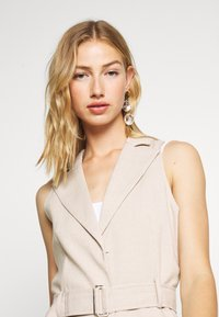 4th & Reckless - HOLLY JACKET - Vest - nude - 3