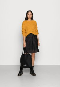ONLY - ONLHAVANA - Maglione - golden yellow - 1