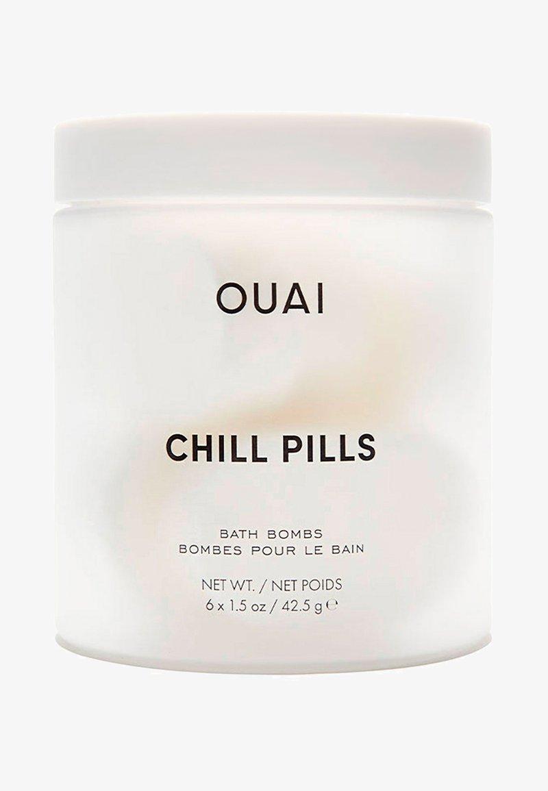 Ouai - CHILL PILLS  - Bubble bath & soak - -