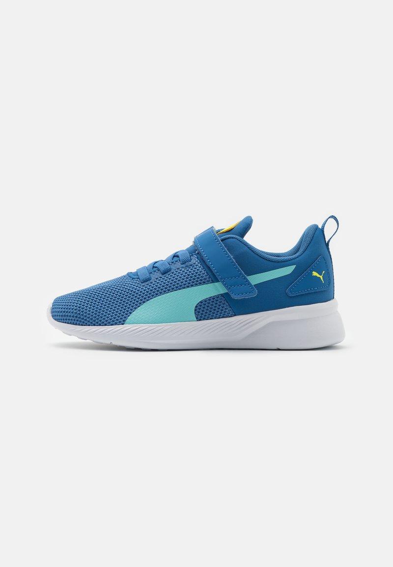 Puma - FLYER RUNNER UNISEX - Neutral running shoes - star sapphire/blue