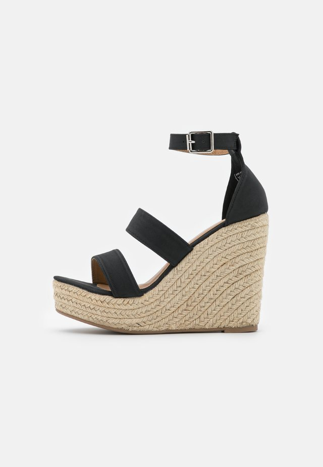 BRADY WEDGE  - Sandalen met plateauzool - black
