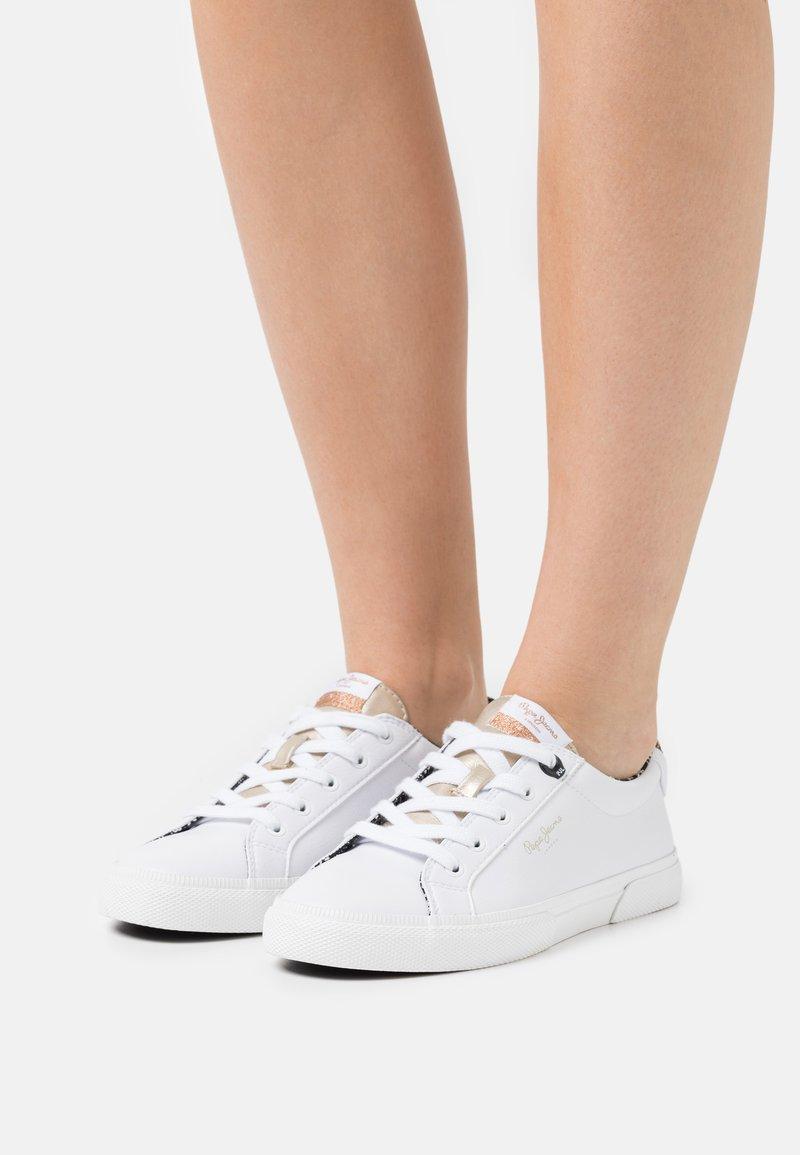 Pepe Jeans - KENTON PLAIN - Trainers - white
