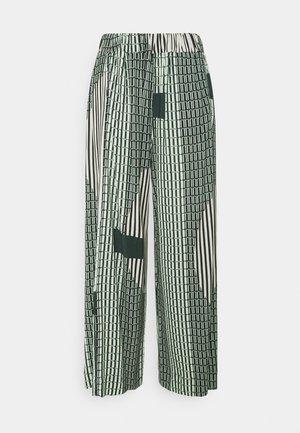 STONE GRABBER PANTS - Kangashousut - green