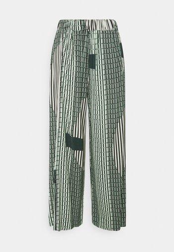 STONE GRABBER PANTS - Pantaloni - green