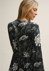 STOCKH LM - Day dress - flower print - 3