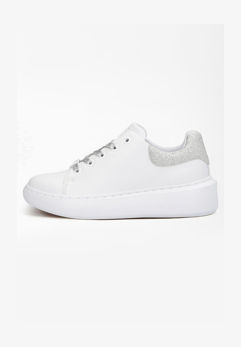 Guess - BRADLY - Sneakers laag - white