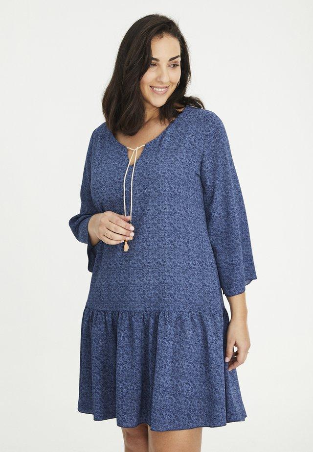 MIT JEANS-EFFEKT - Korte jurk - indigo